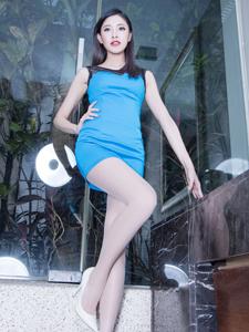 蓝色妖姬气质模特Abby肉丝长腿致命诱惑