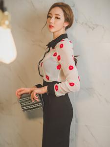 靓丽高贵美模红唇透明衬衣秀曲线身材