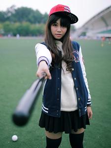 黑丝狂野棒球女孩操场运动