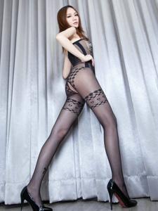 成熟御姐连体破洞网袜美腿翘臀风情万种