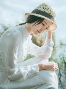 古典美女草帽白裙温婉文雅动人