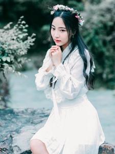 花環女神戶外清新自然白裙靈動