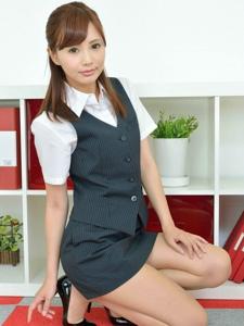 办公室女白领OL装肉丝美腿制服诱惑性感写真
