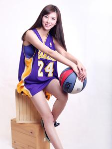 美女篮球宝贝王化萌篮球服活力写真致命诱惑