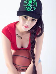 篮球宝贝文雪爆乳写真性感撩人
