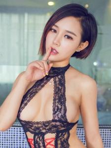 百变短发女王韩幼熙制服情趣美胸丰臀挑逗
