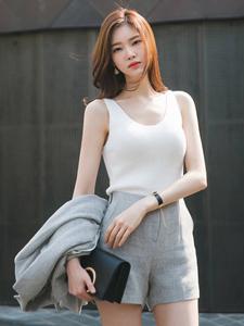 气质白领模特西装短裤知性街拍
