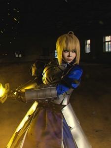 Fate/StayNight战斗女皇Saber亚瑟王同人cos图片