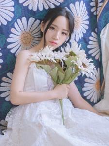 白色向日葵妹子私房白裙恬静怡人