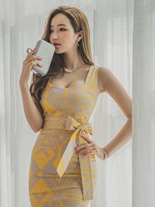 纤腰细腿性感美模紧身长裙妖娆撩人