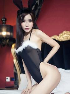 兔女郎韩子萱情趣制服性感翘臀婀娜多姿