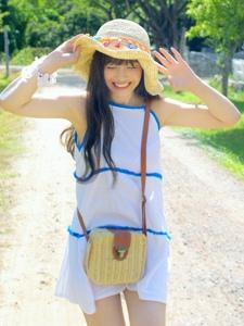 甜美少女泰國旅拍一個小農場天很藍她很甜