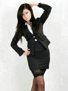 气质白领美女岚岚制服黑丝袜高挑诱惑写真