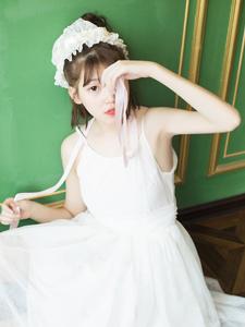 白皙芭蕾舞少女身?#25628;?#23046;魅惑十足