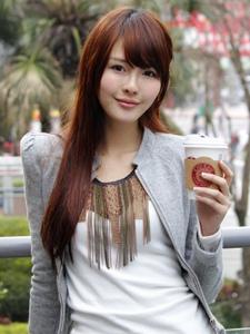 台湾美女赖蜜儿校园外拍写真清新朝气很迷人