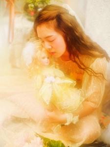 卷发少女暖色调公主梦少女心