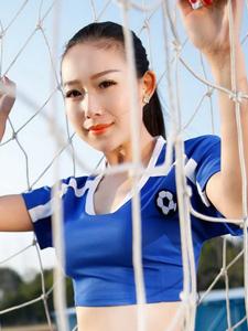 球门内性感火辣的足球宝贝写真