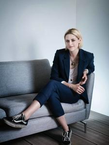 KristenStewart为新片《咖啡公社》戛纳电影节拍摄的更多写真