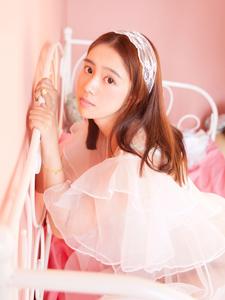 粉嫩甜美可爱少女闺房梦幻写真