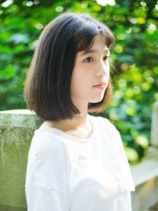 清纯短发少女清凉夏日休闲旅拍