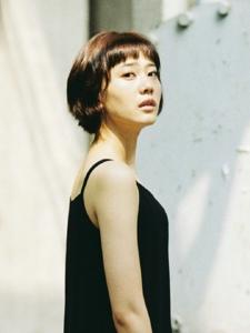 短发吊带裙冷艳黑色气球孤独写真