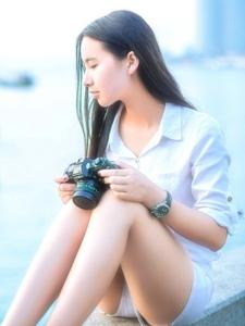旅拍摄影妹子清爽长发白净靓丽