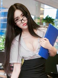 爆乳美女沈梦瑶职业装诱惑人体写真