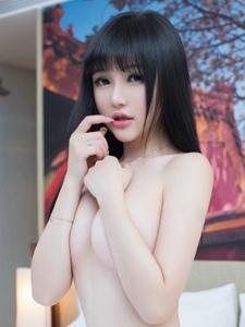 白嫩美女米妮大尺度半裸丁字裤肥臀