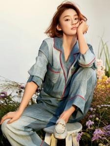 袁姗姗为《时尚芭莎》8月下拍摄大片