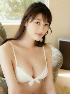 日本美女原干惠饱满上围丰腴肉感性感绝伦