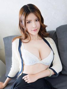 赵梦洁傲人巨乳性感福利诱惑写真