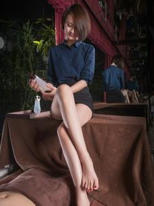 按摩小姐AMY修长美腿白嫩光滑性感诱人