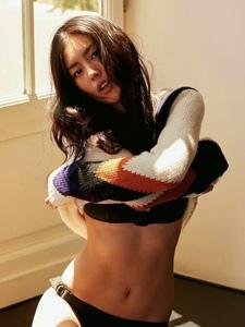 八月号中国版GQ杂志超模刘雯身穿Tod's毛衣亮相