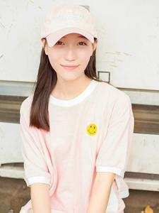 粉嫩棒球帽可爱少女活力写真