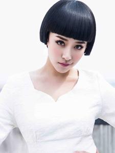 阚清子清丽迷人短发造型写真