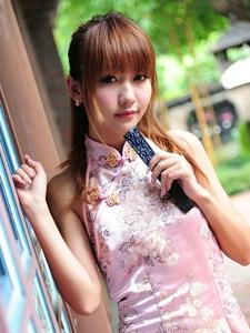 台湾清纯美女棠棠邻家气质旗袍迷人写真诱惑不止