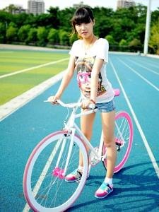 可愛單車少女清新活力時尚寫真