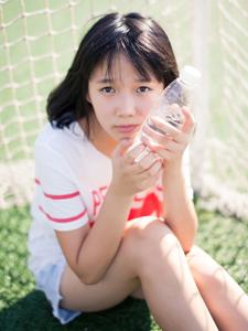 可爱的足球宝贝清新俏皮活力写真