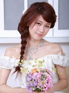 机电系的清纯女孩白白婚纱粉嫩私房甜美写真