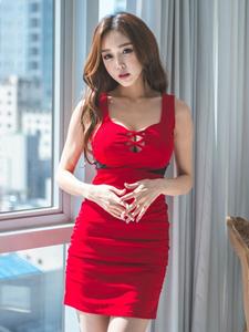 清爽靓丽美艳嫩模鲜红连衣裙私房写真