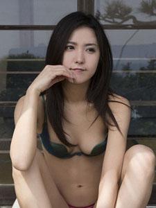 日本性感女神石川恋比基尼微笑写真