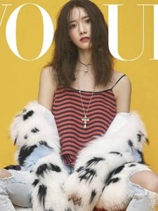 少女时代林允儿登上VogueTaiwan9月刊封面