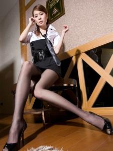 妖娆美女Sarah低胸衬衫美乳黑丝诱惑
