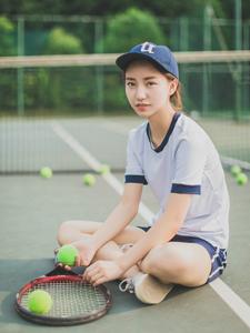 网球少女意境写真魅力十足