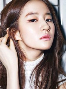 刘亦菲为Cosmopolitan韩国版4月刊拍摄封面大片