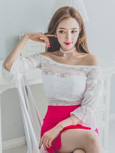 桃粉色短裙李妍静可爱私房写真