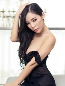 性感爆乳美男乔安黑纱极致娇媚私房引诱写真