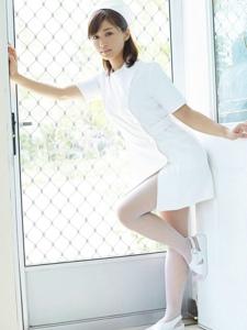 日本人气女优扮小护士温柔白丝甜蜜小性感
