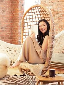 超模刘雯演绎3种不同的农历新年创意灵感妆容