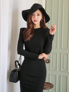 典雅美女孙允珠黑色套装清新写真